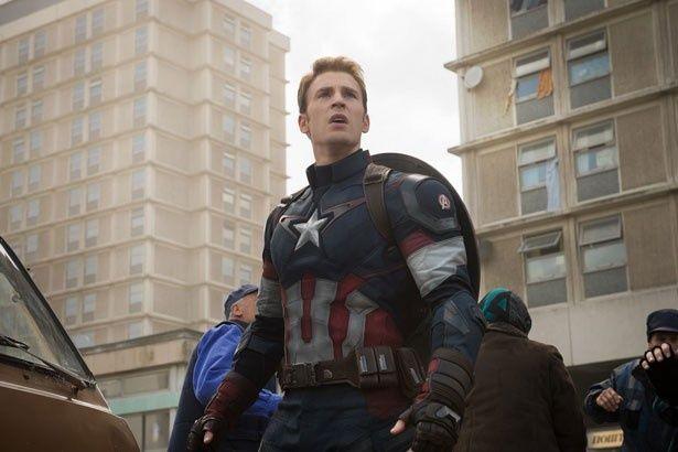 クリス・エヴァンス扮するキャプテン・アメリカ。硬派でしっかり者