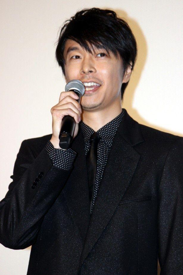 『ラブ&ピース』初日舞台挨拶に登壇した長谷川博己