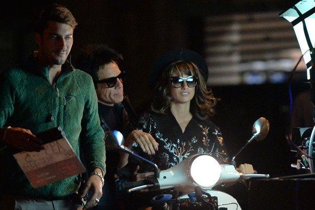 【写真を見る】『Zoolander 2』撮影中のベン・スティラーとペネロペ