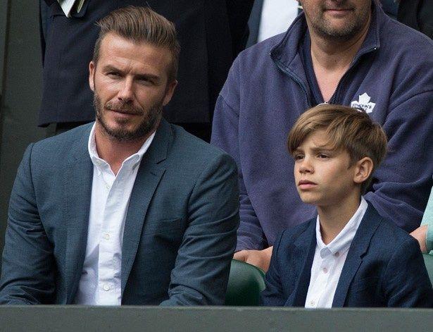 息子のロメオと一緒にテニス観戦をしたデビッド・ベッカム