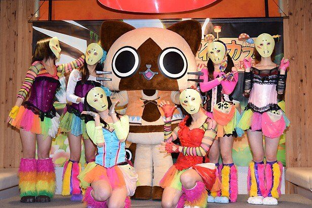 仮面女子のメンバーとアイルーがオープニングイベントに登壇!