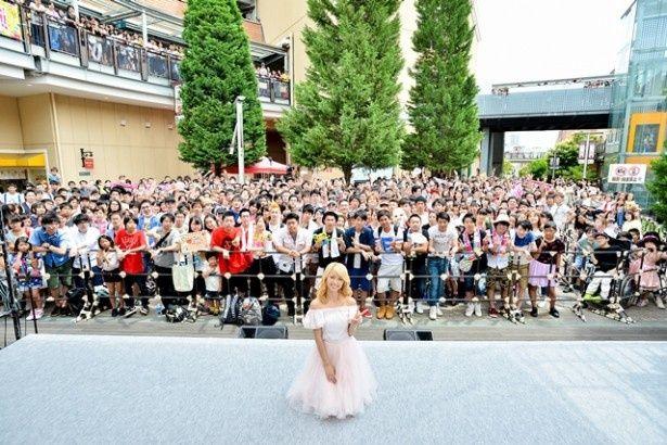 E-girlsのAmiがソロデビューシングルのリリースを記念して、故郷・大阪で凱旋イベントを開催!