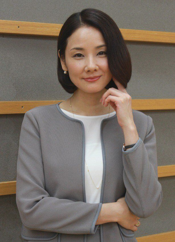 『HERO』で独身の美人検事・馬場礼子役を演じた吉田羊