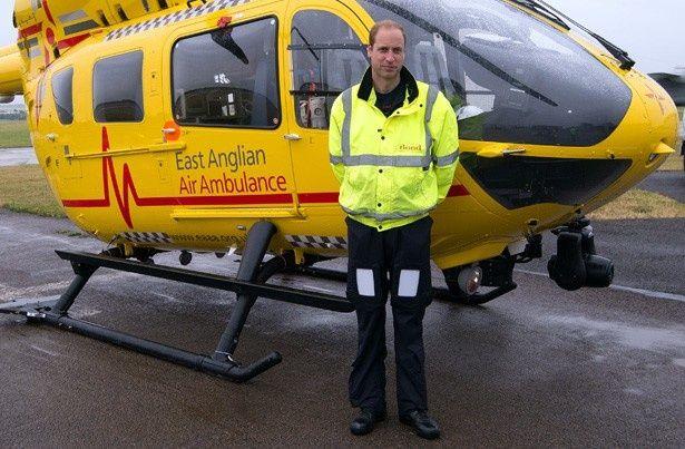 救急ヘリコプターの操縦士として勤務を開始したウィリアム王子