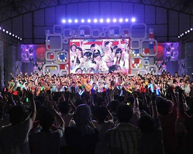 東京アイドルフェスティバル2015は、世界最大級のアイドルフェス(写真は2014年グランドフィナーレの様子)