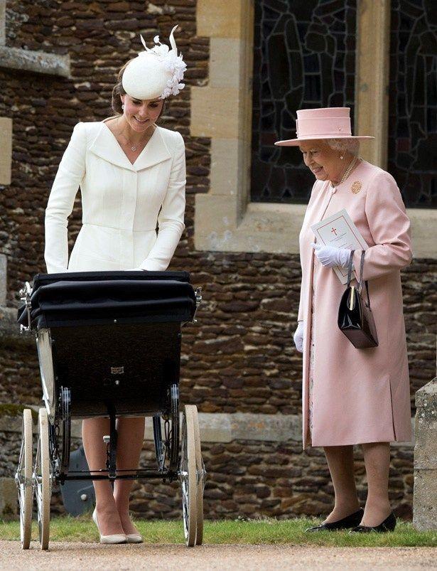 キャサリン妃とエリザベス女王