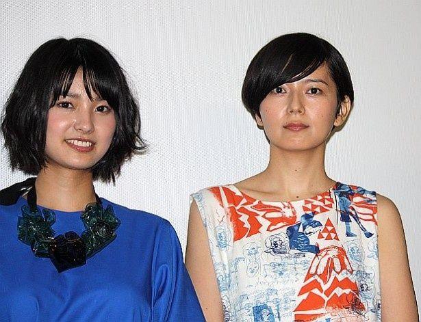『海のふた』主演の菊池亜希子(右)と、三根梓が舞台挨拶に出席