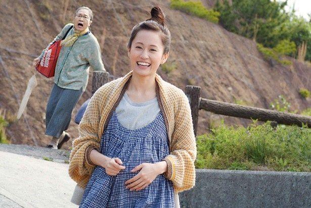 天真爛漫なヒロインを演じた前田敦子と、彼女に振り回されてしまう母を演じたもたいまさこ