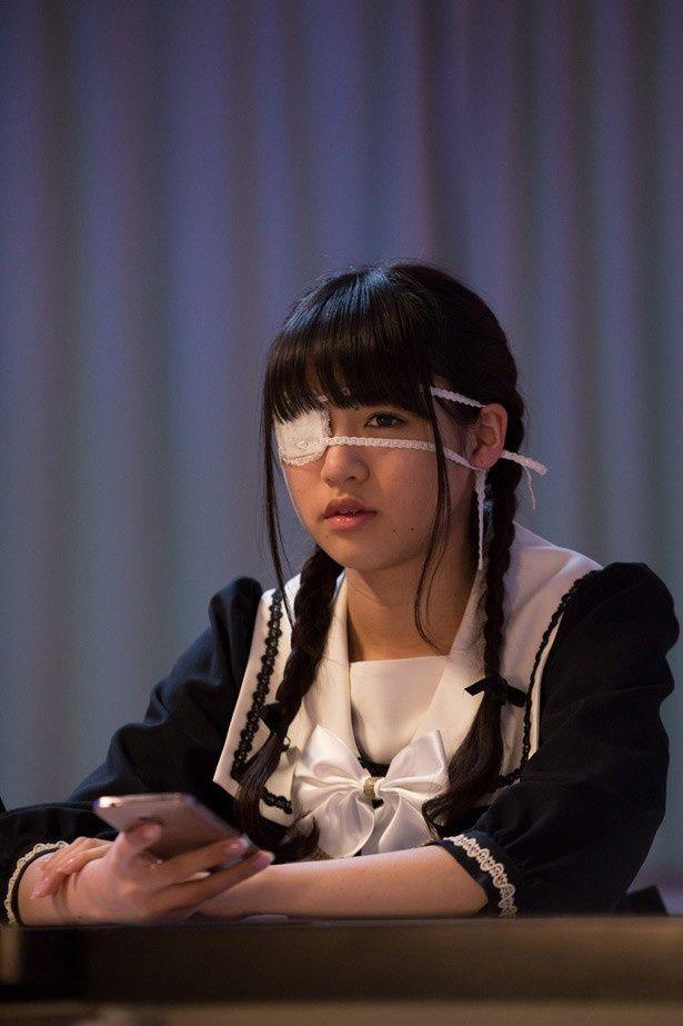 『脳漿炸裂ガール』で、ミステリアスな女子高生役を演じた志田友美