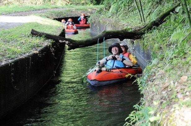 用水路を使ったイデベンチャー。初心者コースはゆっくりと進むので子供でも安心