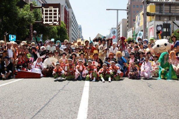 8月1日(土)に名古屋・栄の錦通で開催された徳川宗治道中&世界コスプレサミット・レッドカーペットパレード