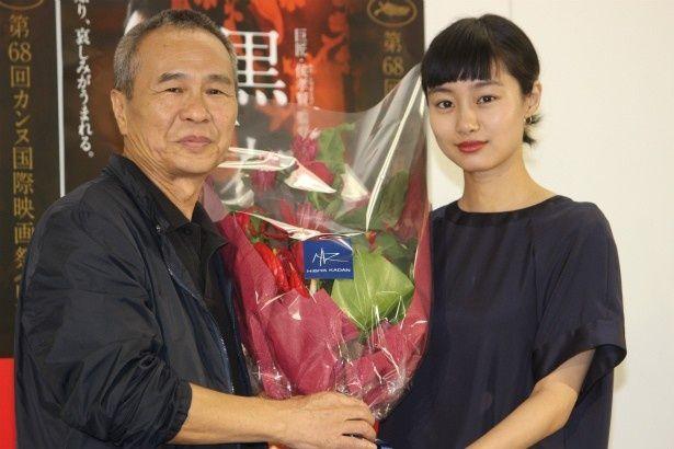 『黒衣の刺客』のホウ・シャオシェン監督と忽那汐里が5年ぶりに再会