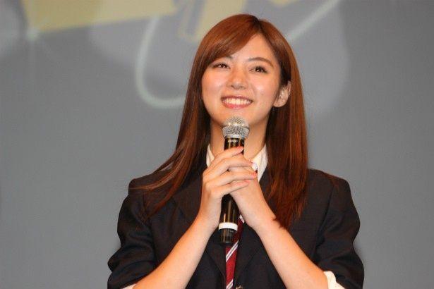 嘉郎の幼馴染の平野美由紀役の池田エライザ