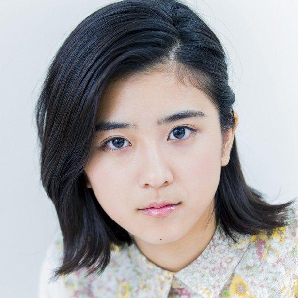 女優・黒島結菜(18)が自分の性格、いまハマっていることを語った