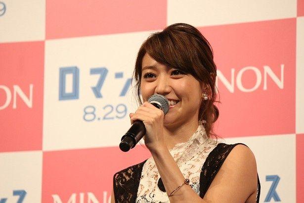 AKB48卒業後初の主演作『ロマンス』のプレミアに出席した大島優子
