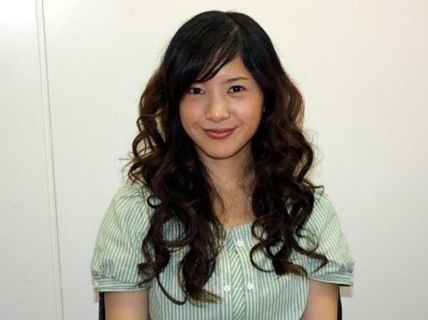 『重力ピエロ』で謎の美女に扮する吉高由里子