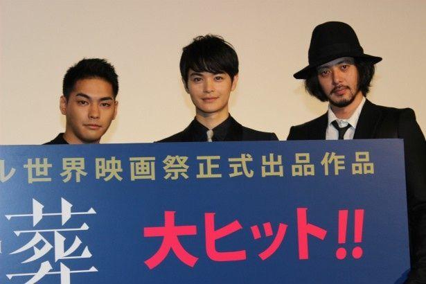 『合葬』の舞台挨拶に登壇した柳楽優弥、瀬戸康史、オダギリジョー
