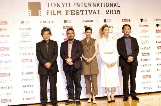 ラインナップ発表会のゲスト。左から、小栗康平監督、中村義洋監督、竹内結子さん、ブライアリー・ロングさん、深田晃司監督
