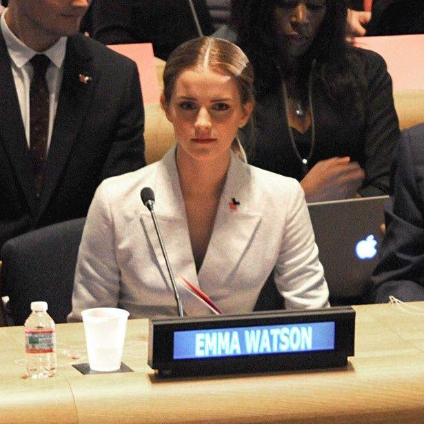 【写真を見る】国連本部で演説を行ったエマ