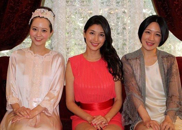 春香クリスティーン、橋本マナミ、犬山紙子(左から)がお色気トークを繰り広げた
