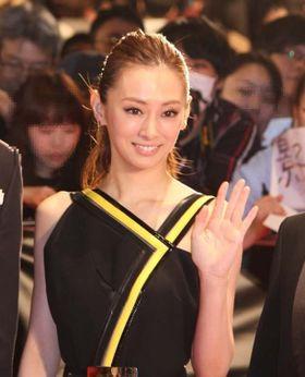 北川景子が東京国際映画祭にサプライズで登場!