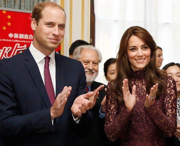 ドルチェ&ガッバーナのレースのワンピースを着て登場したキャサリン妃とウィリアム王子