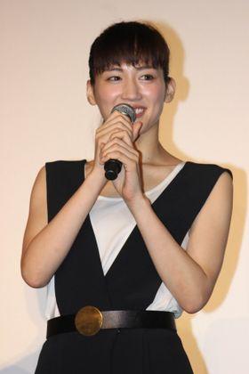 香取慎吾が綾瀬はるかと遠藤憲一の出産シーンに「うらやましい」