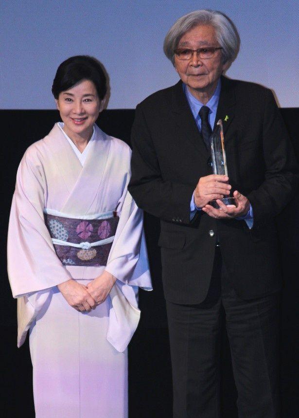 吉永小百合が山田洋次監督のSAMURAI賞授賞式に駆けつけた