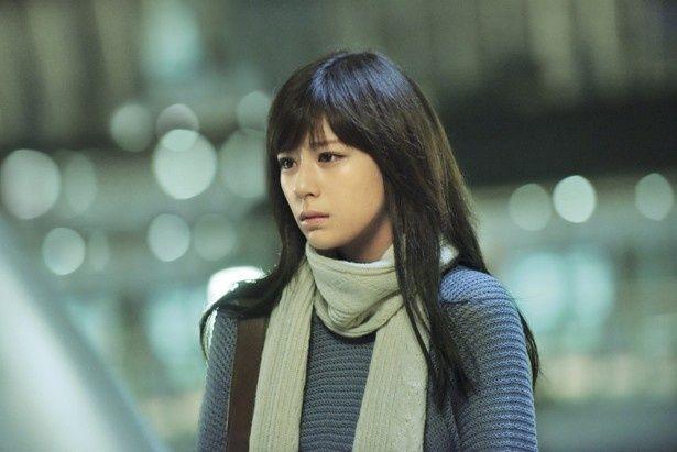 『レインツリーの国』で映画初出演を果たした西内まりや。劇中では、自慢のロングヘアをばっさりショートカットに!