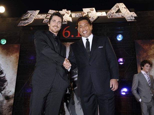 """『T4』でジョン・コナーを演じるクリスチャン・ベールと、""""球界のターミネーター""""こと清原和博"""