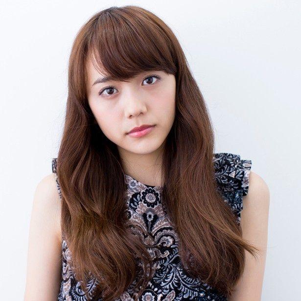女優・松井愛莉(18)が出演作『通学シリーズ 通学電車』について語った