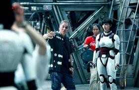 実写『テラフォーマーズ』撮影現場に潜入!三池崇史監督が語る映画版の魅力とは?