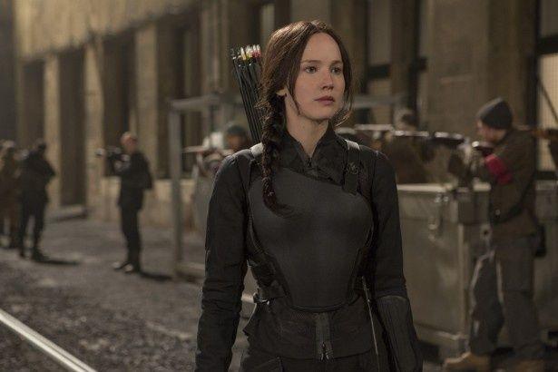 ジェニファー・ローレンスが演じる主人公カットニスの勇姿にも注目