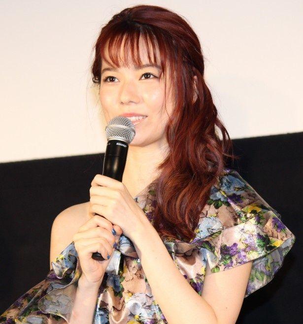島崎遥香、気丈に舞台挨拶に登場!