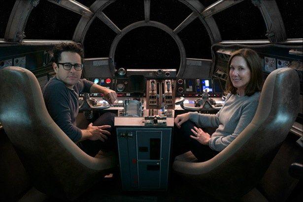 【写真を見る】シリーズの創造主ジョージ・ルーカスから『スター・ウォーズ』を受け継いだJ.J.エイブラムス監督(写真左)も来日!