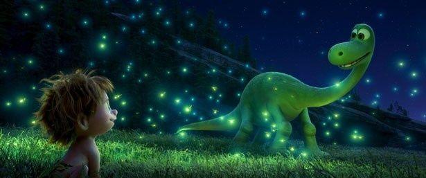 弱虫な恐竜アーロが、たった一人で冒険の旅へ!