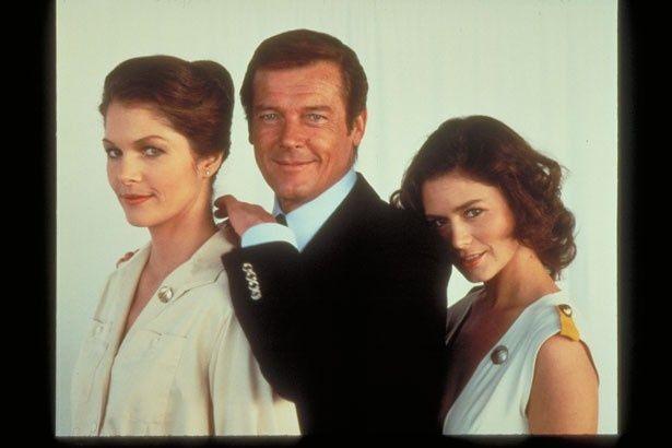 写真右が『007/ムーンレイカー』のコリン(コリンヌ・クレリー)