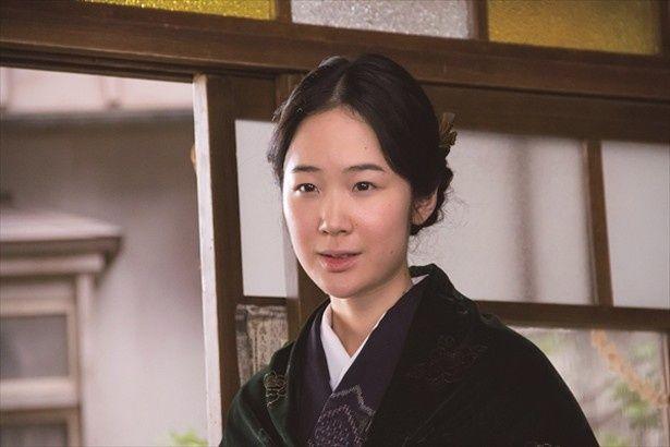 『母と暮せば』で二宮和也と恋人同士を演じた黒木華