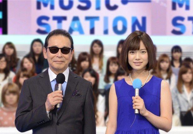「ミュージックステーション」で司会を務めるタモリ、弘中綾香アナ