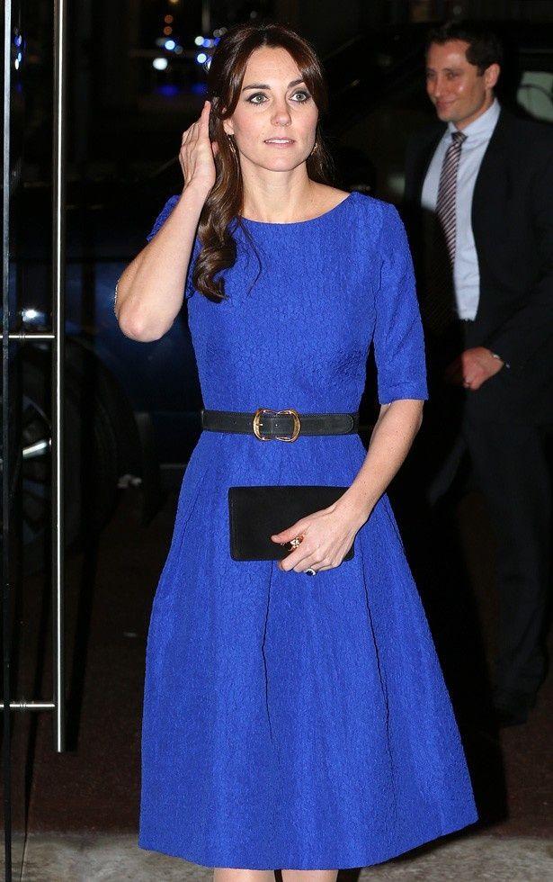 鮮やかなブルーのドレス姿が注目を浴びたキャサリン妃