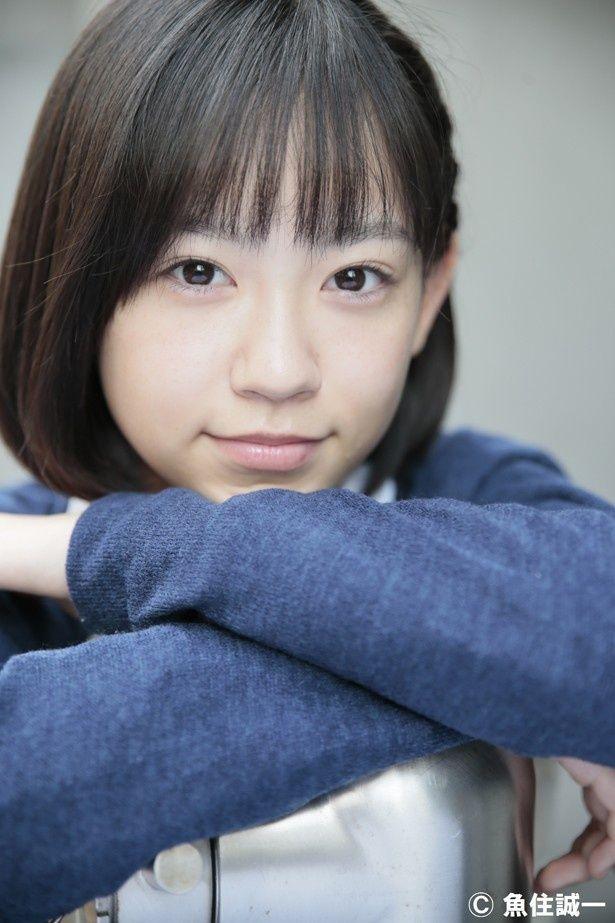 【写真を見る】柴田杏花はオムニバス映画『4/猫 ―ねこぶんのよん―』の一編で、主人公の中学生を好演