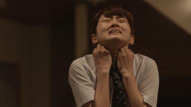 本作で女優デビューを果たした山根。主人公に嫉妬される女子高生・安奈役に