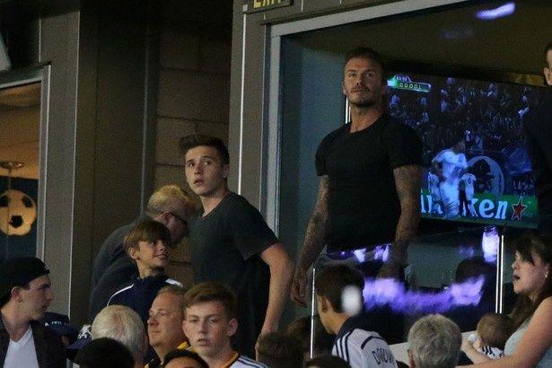 【写真を見る】息子とはもちろんサッカーも観戦
