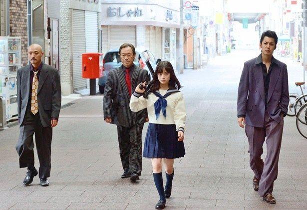 映画初主演で女子高生組長・星泉役を演じる橋本環奈