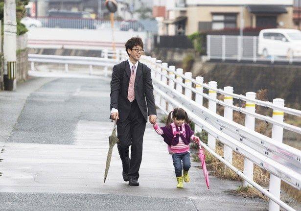 千恵を明るくサポートする夫と娘の姿にほっこり