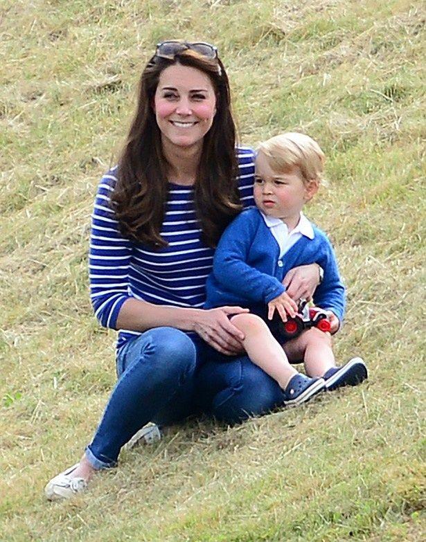 半ズボンが似合うジョージ王子