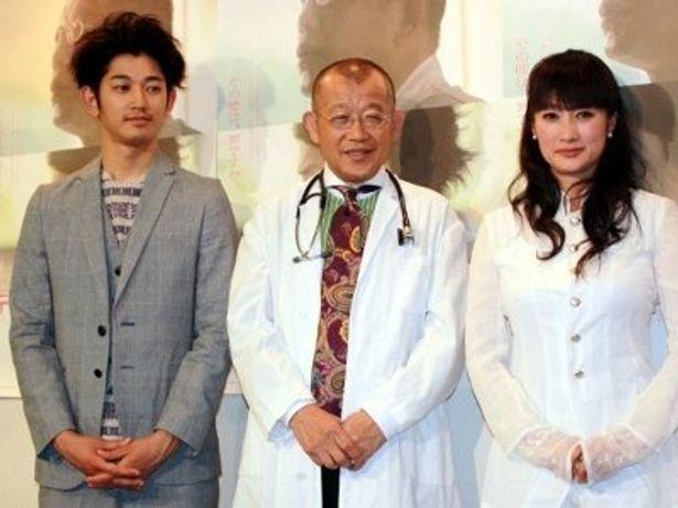 左から:瑛太、笑福亭鶴瓶、余貴美子