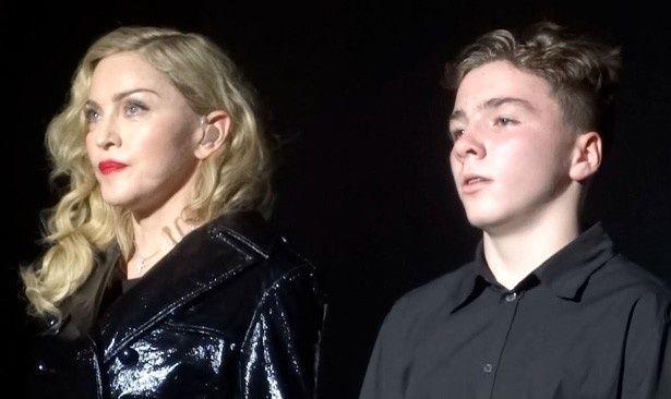 マドンナと息子のロッコ
