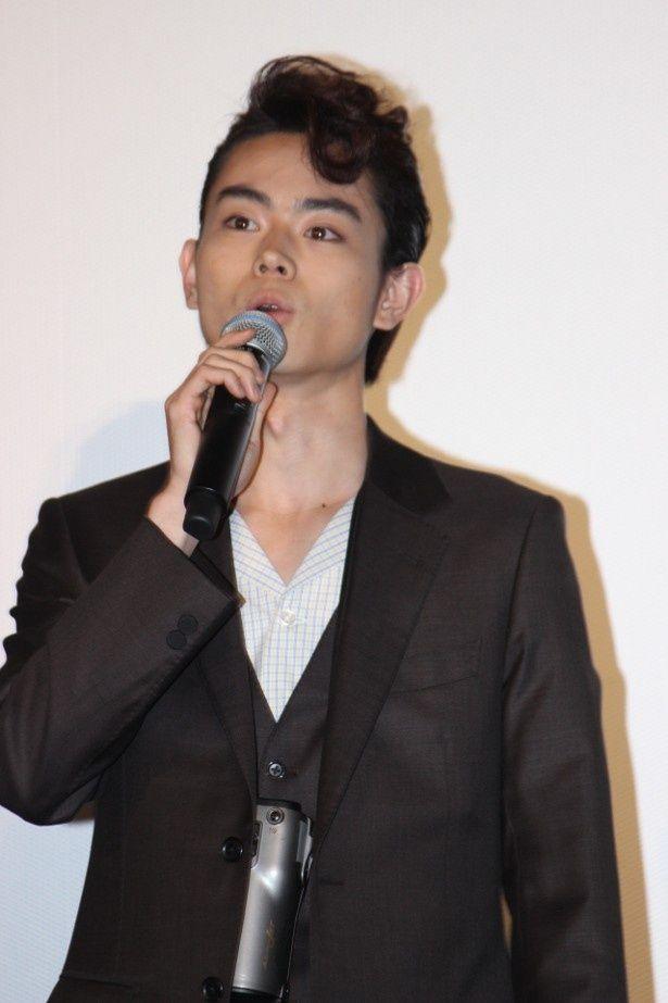 菅田将暉が中島裕翔と仲良く舞台挨拶