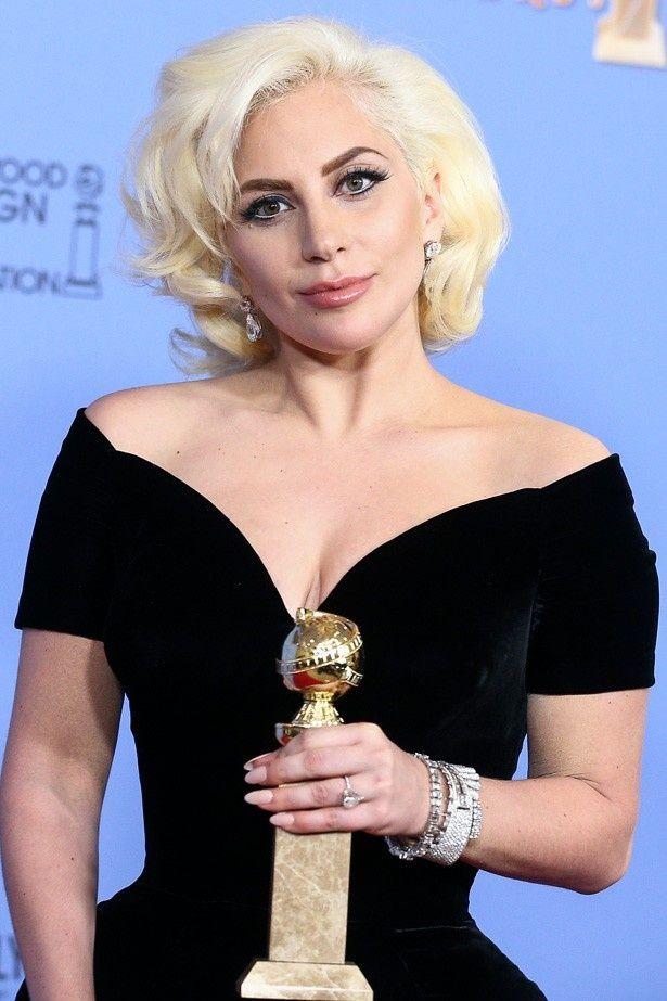 ゴールデン・グローブ賞でテレビ部門の女優賞を獲得したレディー・ガガ
